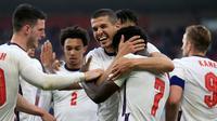 Timnas Inggris meraih kemenangan 1-0 atas Austria pada laga uji coba jelang Euro 2020 di Riverside Stadium, Kamis (3/6/2021) dini hari WIB. Gol tunggal Inggris dicetak Bukayo Saka. (POOL/AFP/Lindsey Parnaby)