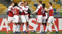 Arsenal menghadapi Vorskla di Stadion NSK Olimpiyskiy, Kiev, pada laga kelima Grup E Liga Europa, Kamis (29/11/2018) malam waktu setempat. (AFP/SERGEI SUPINSKY)