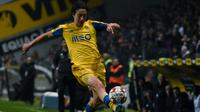 Penyerang anyar Wolverhampton Wanderers, Fabio Silva. (AFP/MIGUEL RIOPA)