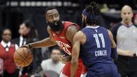 JHames Harden melawan Mike Conley pada lanjutan NBA (AP)