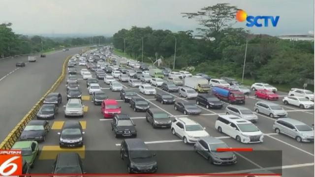 Kepadatan di Pintu Tol Bogor diprediksi terjadi hingga besok seiring berakhirnya libur akhir pekan.