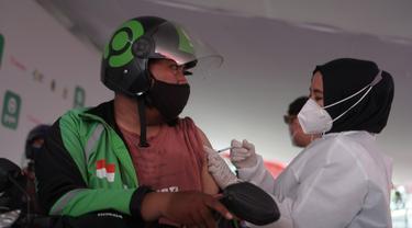 Gojek dan Halodoc Buka Pos Vaksinasi di Bandung