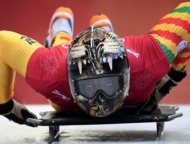 Deretan Helm Nyentrik Atlet Balap Kereta Salju di Olimpiade Pyeongchang