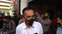 Direktorat Reserse Kriminal Khusus Polda Sulawesi Selatan turun tangan menyelidiki peretasan laman situs DPRD Kota Parepare. (Liputan6.com/Fauzan)