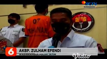 Seorang mahasiswa di Surabaya, ditangkap oleh Tim Cyber Patrol Ditreskrimsus Polda Jatim, karena menjual gadis di bawah umur. Dalam aksinya tersangka berusia 21 tahun ini, menjajakan korban ke para pria hidung belang, dengan memajang foto korban.