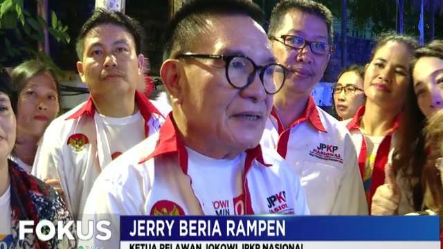 Salawatan dan pengajian mengawali nonton bareng debat cawapres pilpres 2019 di Rumah Aspirasi Jokowi-Ma'ruf. Sementara, pendukung cawapres nomor 02 Sandiaga Uno nonton bareng di posko Media Center 02 Jakarta.