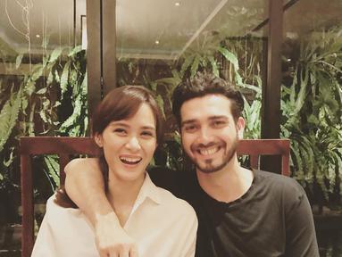 Empat tahun sudah rumah tangga pasangan selebriti Renata Kusmanto dan Fachri Albar. 12 Juni empat tahun silam keduanya meresmikan hubungan cintanya dan berjanji sehidup semati. (Instagram/renata711)