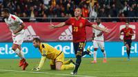 Pemain Spanyol Santi Cazorla merayakan golnya ke gawang Malta pada babak kualifikasi Grup F Piala Eropa 2020 di Stadion Ramon de Carranza, Cadiz, Spanyol, Jumat (15/11/2019). Spanyol menang 7-0. (AP Photo/Miguel Morenatti)