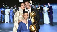Georgina Rodriguez mendampingi Cristiano Ronaldo saat Penghargaan Dubai Globe Soccer di Dubai pada Januari 2019. (AFP/Fabio Ferrari).