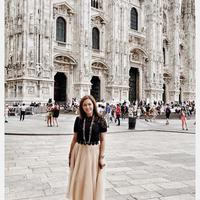 Maia Estianty saat jalan-jalan di Milan, Italia. (dok. Instagram @maiaestiantyrealhttps://www.instagram.com/p/BzA41-LHywd/Putu Elmira)