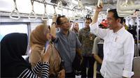 Presiden Jokowi naik KRL