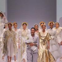 Rama Dauhan koleksi Nurani kolaborasi Crystallure by Wardah di Jakarta Fashion Week 2020 (Instagram @ramadauhan/Fotografer: Satrio Ramadhan)