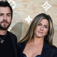 Justin Theroux dan Jennifer Aniston merupakan pasangan suami istri yang jarang mengumbar kemesraan namun kerap terlihat romantis. Saling percaya nampaknya menjadi faktor utama di rumah tangganya yang harmonis. (AFP/Bintang.com)