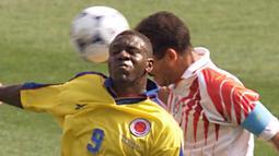 Adolfo Valencia. Striker ini didatangkan Atletico Madrid dari Bayern Munich pada awal musim 1994-1995. Hanya bertahan 1 musim dan bermain dalam 26 penampilan di semua ajang dengan mencetak 8 gol. (AFP/Christophe Simon)