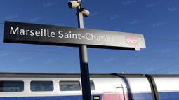 Untuk mengunjungi Marseille, jika berangkat menggunakan kereta cepat atau TGV dari Paris maka akan berhenti di Stasiun Saint Charles. (Bola.com/Vitalis Yogi Trisna)