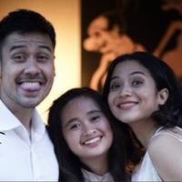 Pasangan selebritis Chicco Jerikho dan Putri Marino resmi menikah sabtu kemarin di kawasan Nusa Dua, Bali.