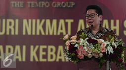 Presiden Direktur PT Tempo Scan Pacific Handojo S Muljadi memberikan sambutan  dalam acara buka puasa bersama karyawan di PT Tempo Scan Pacific Cikarang, Jawa Barat, Kamis (23/6). (Liputan6.com/Faizal Fanani)