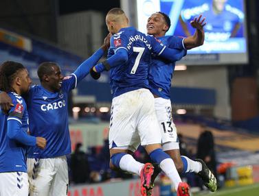 FOTO: Tercipta 9 Gol, Everton Singkirkan Tottenham dari Piala FA