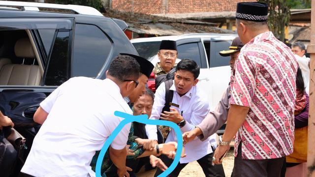 Menkopolhukam Wiranto diserang orang tak dikenal saat di Pandeglang, Banten
