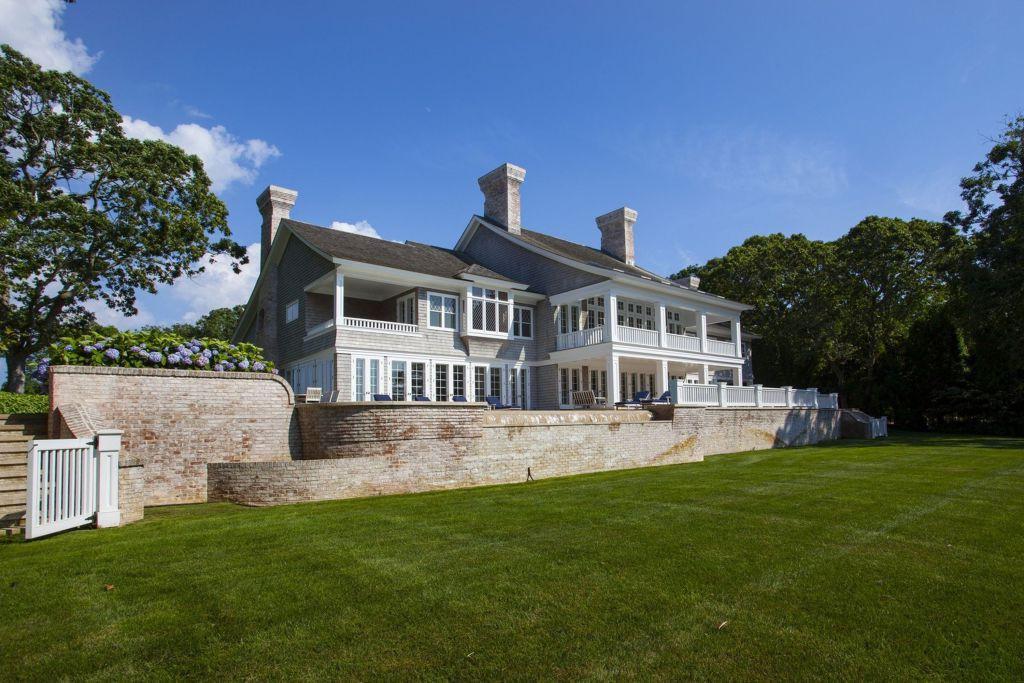 Penasaran bagaimana mewahnya rumah pasangan Jay Z dan Beyonce? Simak di sini. (Foto: wwd.com)