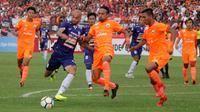 Duel PSIS vs Persija di Stadion Sultan Agung, Bantul, Jumat (20/4/2018). (Bola.com/Ronald Seger Prabowo)