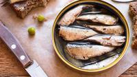 Dua puluh tujuh merek ikan makarel kalengan ditarik dari pasaran. Badan Pengawas Obat dan Makanan (BPOM) menemukan parasit cacing dalam produk-produk tersebut.  (iStockphoto)