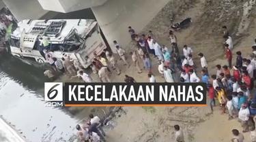 Sebuah bus terguling di sebuah jalan tol di India. Kejadian nahas ini menyebabkan 29 penumpang tewas dan puluhan lainnya terluka.