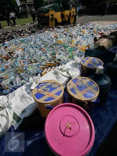 20160606-Hari Pertama Puasa, Polda DIY Musnahkan Ribuan Petasan dan Miras-Jogja
