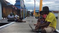 Warga Kampung Enggros nikmati internet gratis