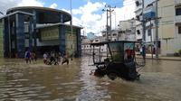 Kepala Badan Penaggulangan Bencana Daerah (BPBD) Tebing Tinggi, Wahid Sitorus mengatakan, banjir akibat luapan dua sungai tersebut terjadi sejak Senin, 16 Desember 2019, sekitar pukul 02.00 WIB.