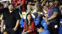 Maria Ozawa alias Miyabi kembali hadir di Stadion Rizal Memorial, Manila, untuk mendukung Timnas Indonesia U-22 di laga final SEA Games 2019 kontra Vietnam (10/12/2019). (Bola.co,/M. Iqbal Ichsan)