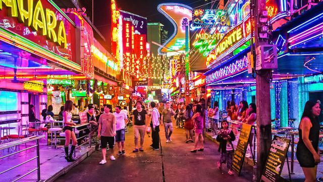 Mengintip Kawasan Patpong Wisata Seks Yang Legal Di