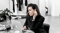 Apa Anda sedang melamar kerja? Simak beberapa trik di bawah ini untuk mendapatkan kesempatan wawancara.