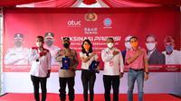 Konfederasi Serikat Pekerja Seluruh Indonesia (KSPSI) kembali bersinergi dengan Kepolisian Republik Indonesia (Polri) menggelar vaksinasi Covid-19 gratis