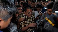 Pengamat hukum, Denny Indrayana saat mendatangi Gedung KPK, Jakarta, Selasa (17/2/2015). Kedatangan Denny untuk membahas berbagai persoalan yang kini dihadapi KPK bersama pimpinan KPK. (Liputan6.com/Faisal R Syam)