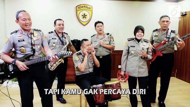 Polisi berdendang 'Sayang' ala Via Vallen untuk mensosialisasikan para calon Polisi menolak suap rekrut
