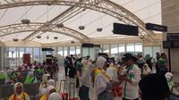 Jemaah haji tiba di Bandara Amir Muhammad bin Abdul Aziz Madinah, Arab Saudi (Liputan6.com Taufiqurrohman)