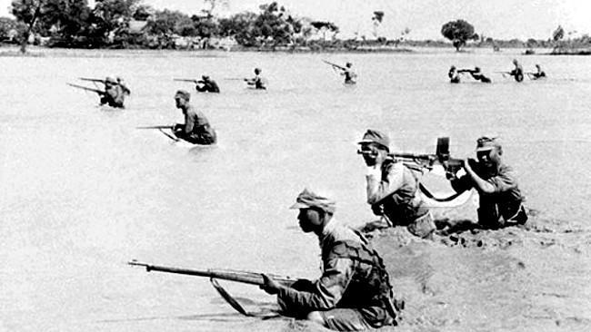 Banjir Sungai Kuning. (Sumber WWII in Color)