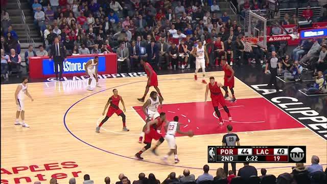 Berita video game recap NBA 2017-2018 antara Portland Trail Blazers melawan LA Clippers dengan skor 104-96.