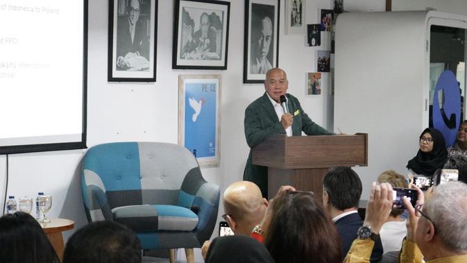 Mantan duta besar Indonesia untuk Indonesia, Peter Frans Gontha, saat mengisi acara