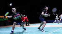 Aksi Rinov Rivaldy/Pitha Haningtyas Mentari pada semifinal Swiss Terbuka 2019, di Basel, Sabtu (16/3/2019). (PBSI)