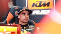 Pembalap Portugal, Miguel Oliveira, akan memperkuat Tech 3 KTM pada MotoGP 2019. (Twitter/MotoGP)