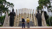Dalijan dan Kawit berkesempatan melepaskan rindunya pada ibu kota dengan mengunjungi Jakarta. (Sumber Foto: Istimewa)