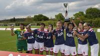 Tim Drupadi, tim sepak bola wanita Indonesia yang beraksi di AIA Championship 2019, berhasil menjadi juara di kategori AIA's Women's League di London, Jumat (10/5/2019). (Istimewa)