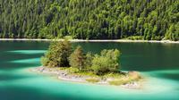 Danau Eibsee terletak di bawah Zugspitze, puncak tertinggi Pegunungan Alpen, Jerman. (DW)