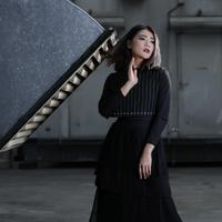 Senada dengan makna lagu Show Me What You Got, tarian Indah Dewi Pertiwi seakan mengajak orang untuk menunjukkan kemampuan terbaiknya. (Fathan Rangkuti/Bintang.com)