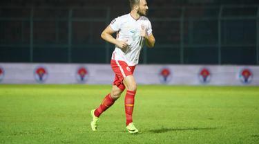 Bek Persija Jakarta, Marco Motta.