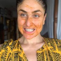 Kareena Kapoor bagikan DIY masker wajahnya (Instagram @therealkareenakapoor)