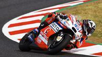 Scott Redding behasil menyalip catatan waktu Valentino Rossi di menit akhir sesi latihan bebas ketiga MotoGP Belanda. (EPA/ALEJANDRO GARCIA)