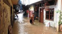Banjir Jakarta akibat air kiriman dari Bogor, Jawa Barat. (Liputan6.com/Ady Anugrahadi)